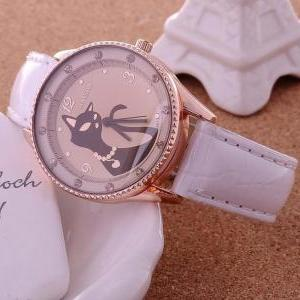 W109 2013 Hot Sale Cat Watches Wome..