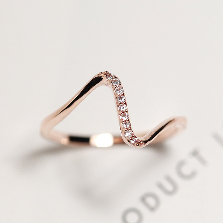 Free Shipping 17mm V Shaped Gold Plated Ring Resizable Fashion