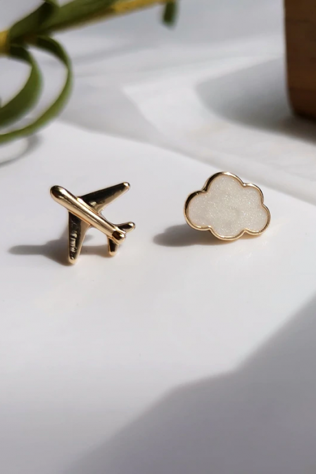 Cute Mini Asymmetric Aircraft Airplane Clouds Earrings Small Student Metal Vintage Enamel Jewelry For Women 1005001504539992