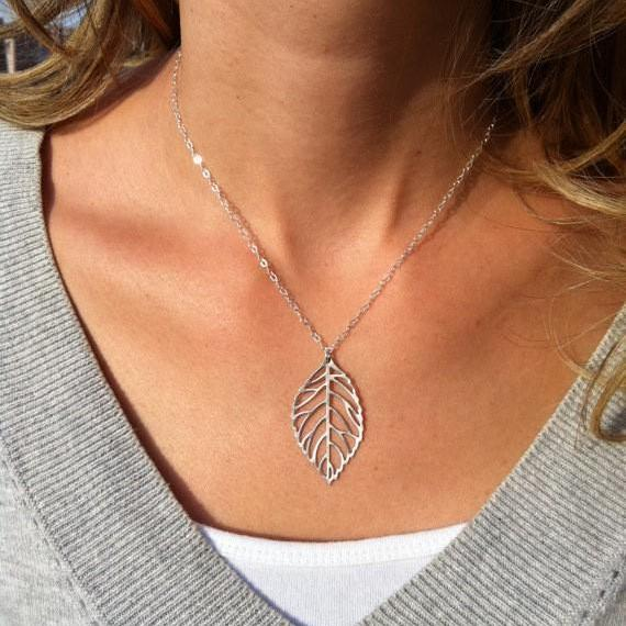 *FREE SHIPPING* XL012 Hot fashion jewelry simple and natural forest metal leaves pendants necklace Chokers necklaces for women jewelry 32387157079